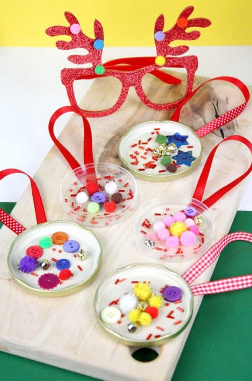 Easy jar lid recycled craft idea for Christmas
